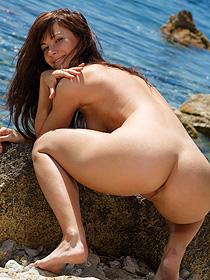 Lauren Crist Having Fun By The Sea