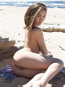 Selena Having Fun On The Beach