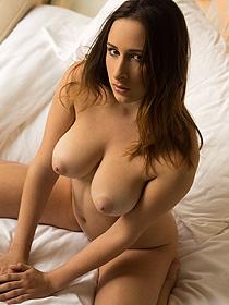 Ashley Adams Looks So Sexy