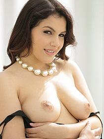 Busty Brunette Babe Valentina Nappi