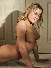 Naked Naughty Babe Blair Williams