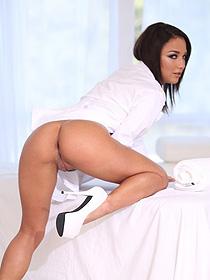 Sexy Masseuse Babe