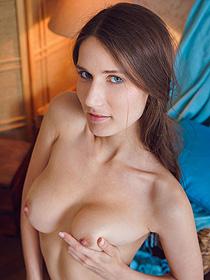 Naked Brunette Elina