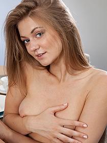 Naked Brunette Girl Patritcy