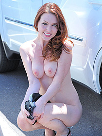Redhead Meghan Is Nude In Public
