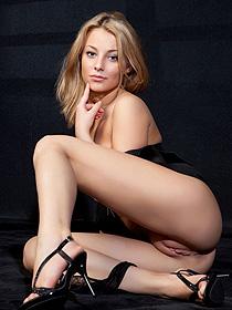 Sexy Erotic Pics Featuring Nikia