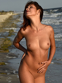 Naked Sweet Arlene Posing By The Sea