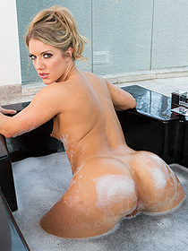Hot Blonde Candice Dare Takes A Bubble Bath
