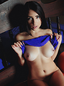 Busty Hottie In Lust