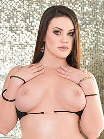 Busty Babe Roxy Raye Strips