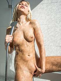 Lara Gets Horny In The Shower