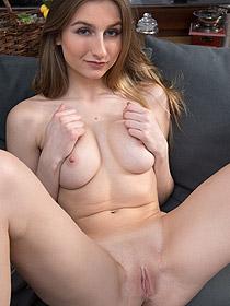 Sweet Naked Amelia Gin