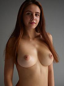 Busty Alisa Looks Damn Sexy