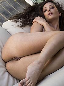 Damn Hot Babe Gia Paige