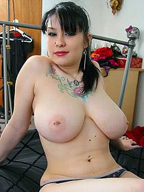 Busty Tattooed Jennique