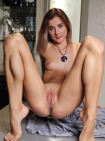 Sweet Benita Gets Totally Naked