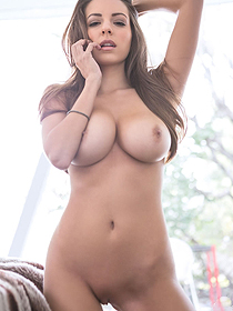 Busty Shelby Chesnes
