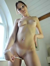 Naked brunette Chloe