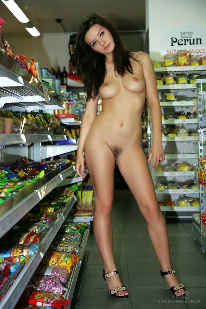 Naked girl presenting her body in public-00