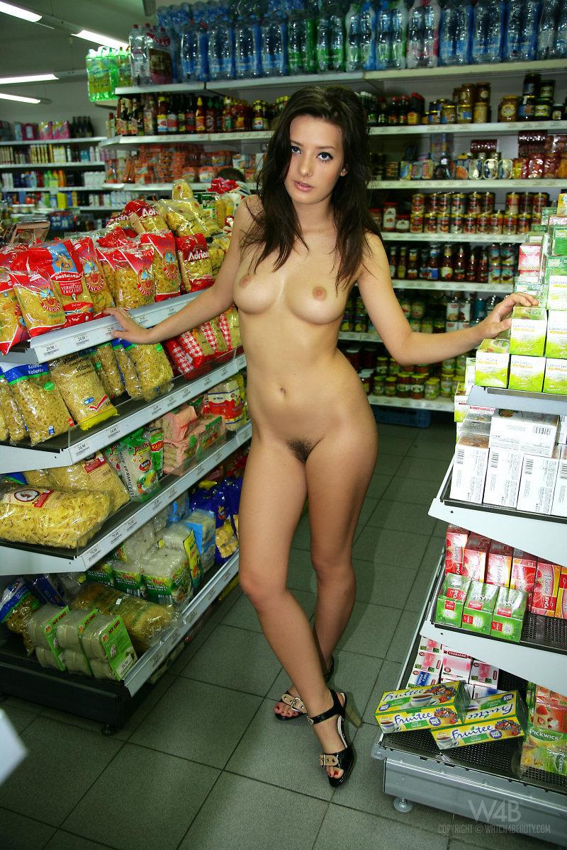 Naked girl presenting her body in public-02