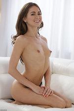 Naked Perky Riley Reid-04